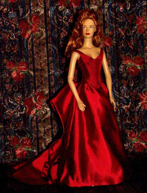Here are some more pictures of Brenda Starr wearing the gown  sc 1 st  Naergiu0027s Costuming Site & Satine from u0027Moulin Rougeu0027 u2013 Red Temptress | Naergiu0027s Costuming Site