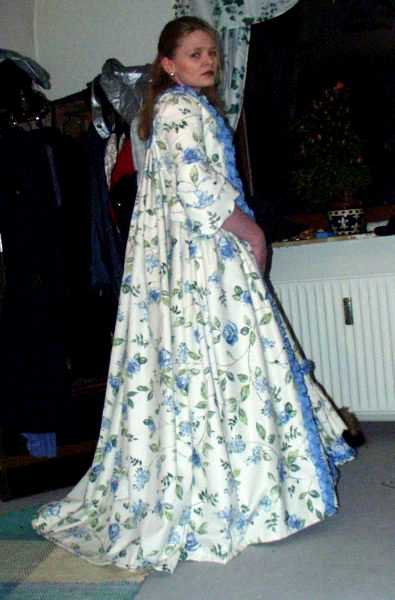 Robe à la Française – Naergi\'s Costuming Site
