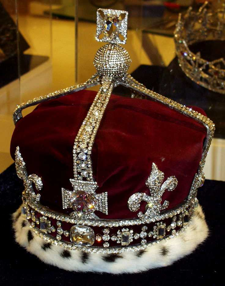 queen s crown the last crown that was made for a king s wife for her    Queen Elizabeth Crown