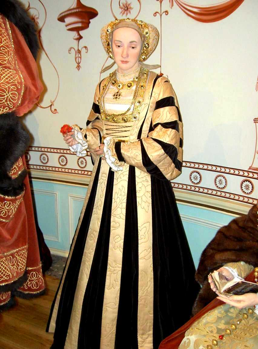 The Six Wives Naergi S Costuming Site