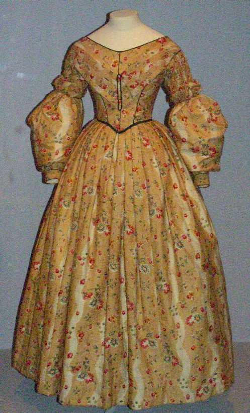 Victorian at V&A – Naergi\'s Costuming Site