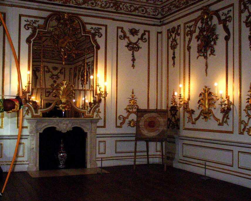 Rococo interior naergi 39 s costuming site for French baroque interior