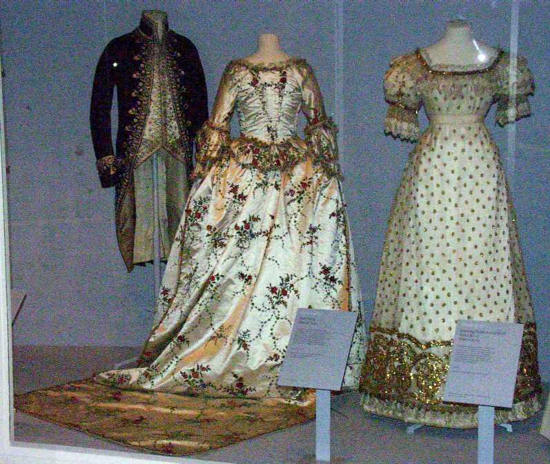 Naergi's Costuming Site